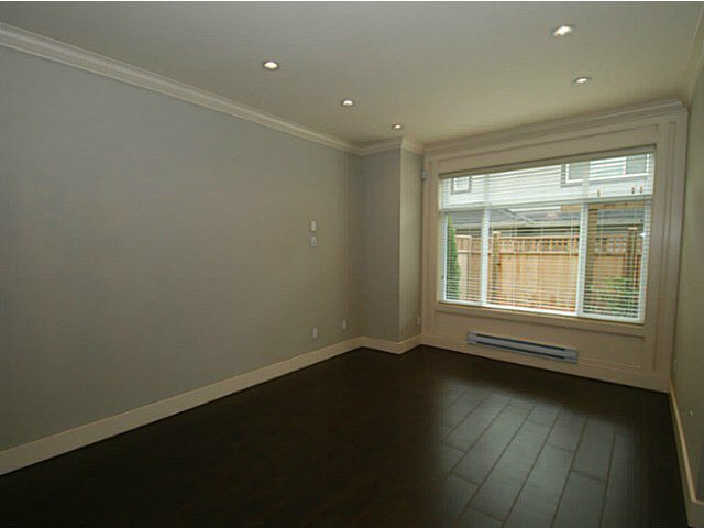 Photo 10: Photos: 1 7028 ASH Street in Richmond: South Arm Townhouse for sale : MLS®# V1063516