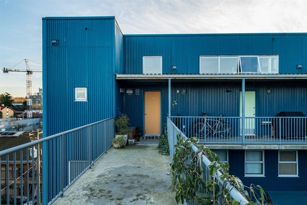 """Photo 2: Photos: 509 228 E 4TH Avenue in Vancouver: Mount Pleasant VE Condo for sale in """"THE WATERSHED"""" (Vancouver East)  : MLS®# R2025819"""