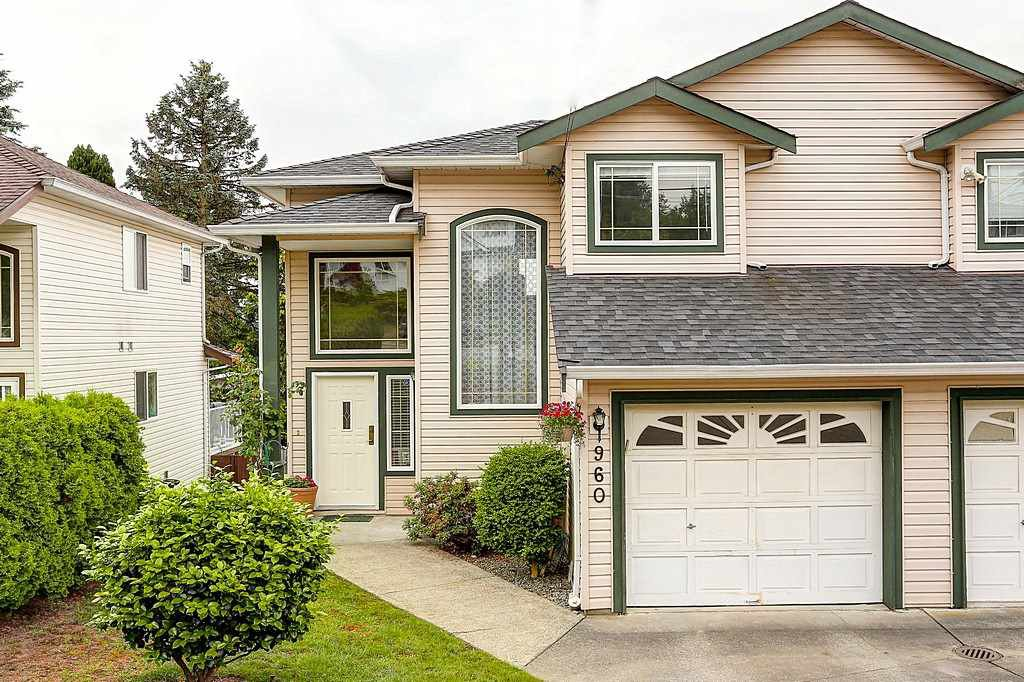 Main Photo: 960 DELESTRE Avenue in Coquitlam: Maillardville 1/2 Duplex for sale : MLS®# R2073096