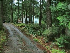 "Main Photo: 2259 GAIL Road: Roberts Creek House for sale in ""ROBERTS CREEK"" (Sunshine Coast)  : MLS®# R2088864"