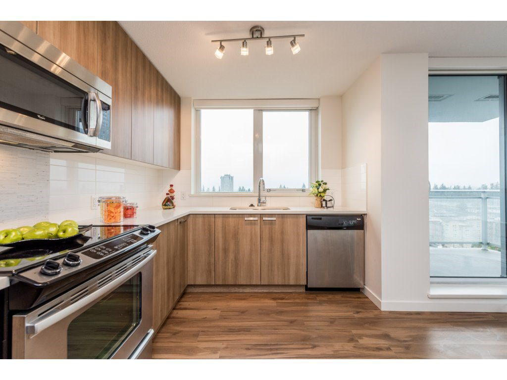 "Photo 6: Photos: 1512 13325 102A Avenue in Surrey: Whalley Condo for sale in ""Ultra"" (North Surrey)  : MLS®# R2161749"