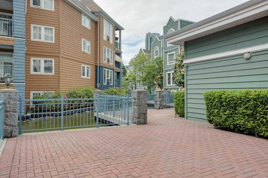 """Photo 19: Photos: 102 3070 GUILDFORD Way in Coquitlam: North Coquitlam Condo for sale in """"LAKESIDE TERRACE """"THE TOWER"""""""" : MLS®# R2163142"""