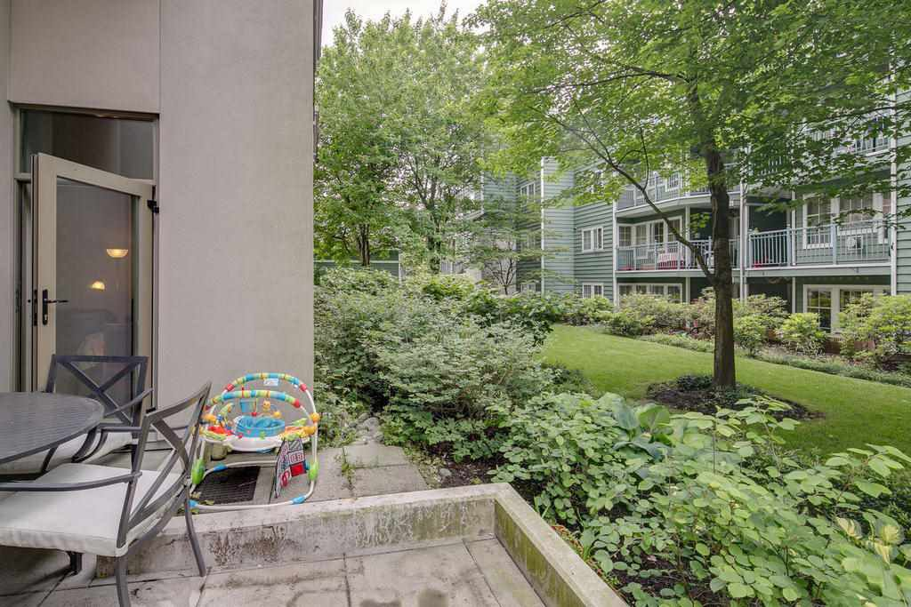 """Photo 14: Photos: 102 3070 GUILDFORD Way in Coquitlam: North Coquitlam Condo for sale in """"LAKESIDE TERRACE """"THE TOWER"""""""" : MLS®# R2163142"""