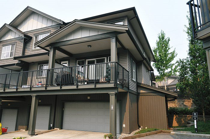 "Main Photo: 8 11176 GILKER HILL Road in Maple Ridge: Cottonwood MR Townhouse for sale in ""BLUETREE"" : MLS®# R2195657"