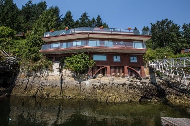 Main Photo: 5249 INDIAN RIVER Drive in North Vancouver: Woodlands-Sunshine-Cascade House for sale : MLS®# R2221171