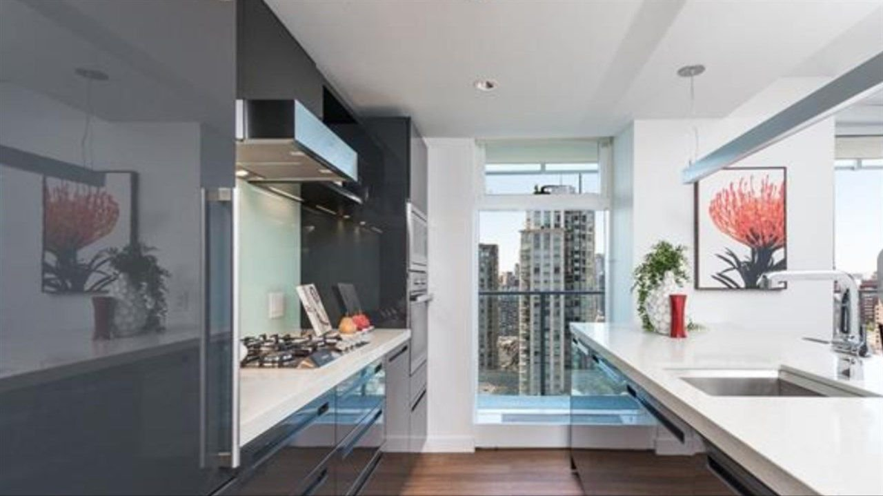 "Main Photo: 3001 777 RICHARDS Street in Vancouver: Downtown VW Condo for sale in ""TELUS GARDENS"" (Vancouver West)  : MLS®# R2231347"