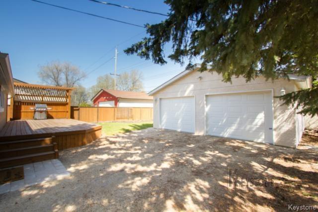 Photo 19: Photos: 297 Knowles Avenue in Winnipeg: North Kildonan Residential for sale (3G)  : MLS®# 1809527