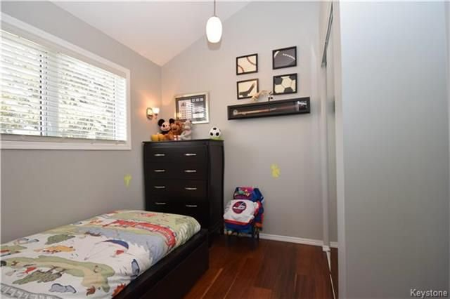 Photo 13: Photos: 297 Knowles Avenue in Winnipeg: North Kildonan Residential for sale (3G)  : MLS®# 1809527