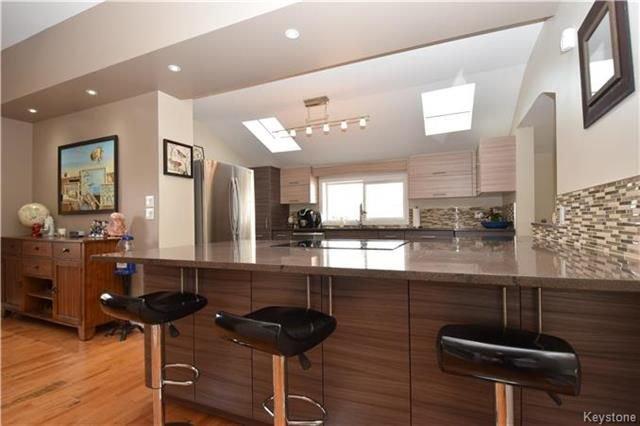 Photo 7: Photos: 297 Knowles Avenue in Winnipeg: North Kildonan Residential for sale (3G)  : MLS®# 1809527