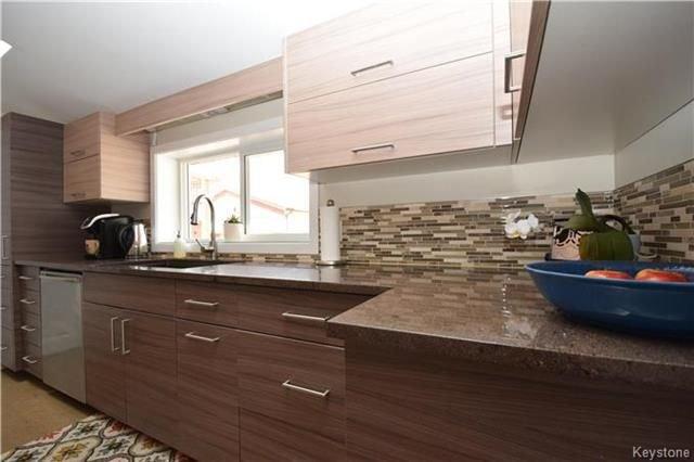 Photo 8: Photos: 297 Knowles Avenue in Winnipeg: North Kildonan Residential for sale (3G)  : MLS®# 1809527