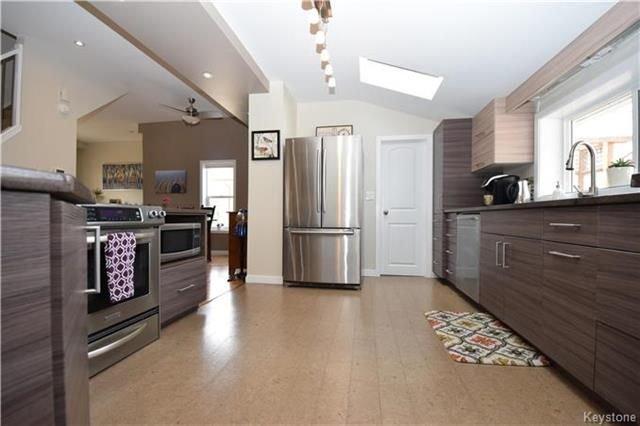 Photo 10: Photos: 297 Knowles Avenue in Winnipeg: North Kildonan Residential for sale (3G)  : MLS®# 1809527
