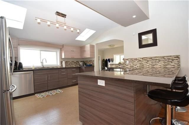 Photo 6: Photos: 297 Knowles Avenue in Winnipeg: North Kildonan Residential for sale (3G)  : MLS®# 1809527