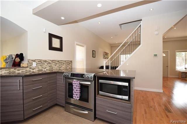 Photo 9: Photos: 297 Knowles Avenue in Winnipeg: North Kildonan Residential for sale (3G)  : MLS®# 1809527