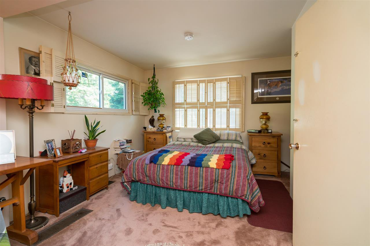 "Photo 9: Photos: 9028 HAYWARD Street in Mission: Mission-West House for sale in ""SILVERDALE"" : MLS®# R2280342"
