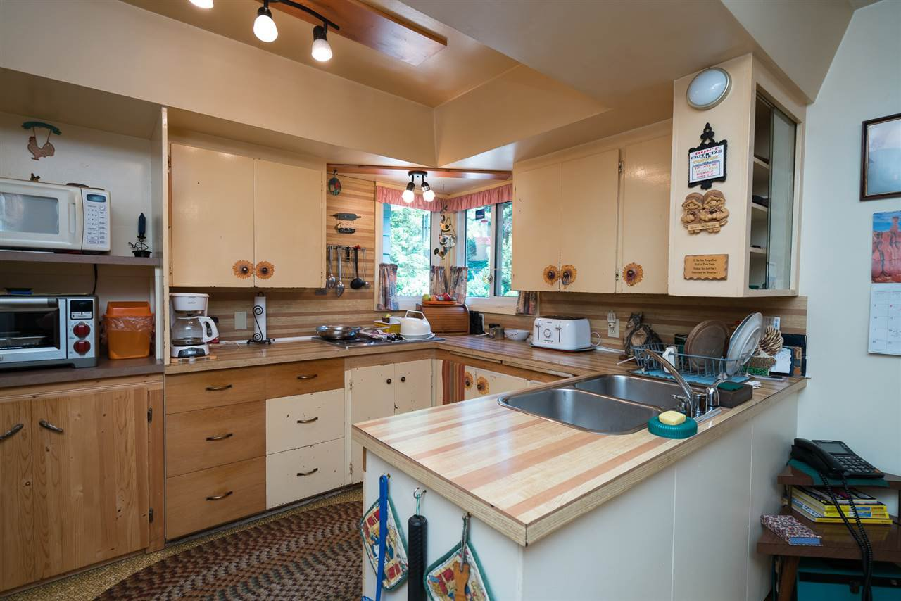 "Photo 6: Photos: 9028 HAYWARD Street in Mission: Mission-West House for sale in ""SILVERDALE"" : MLS®# R2280342"