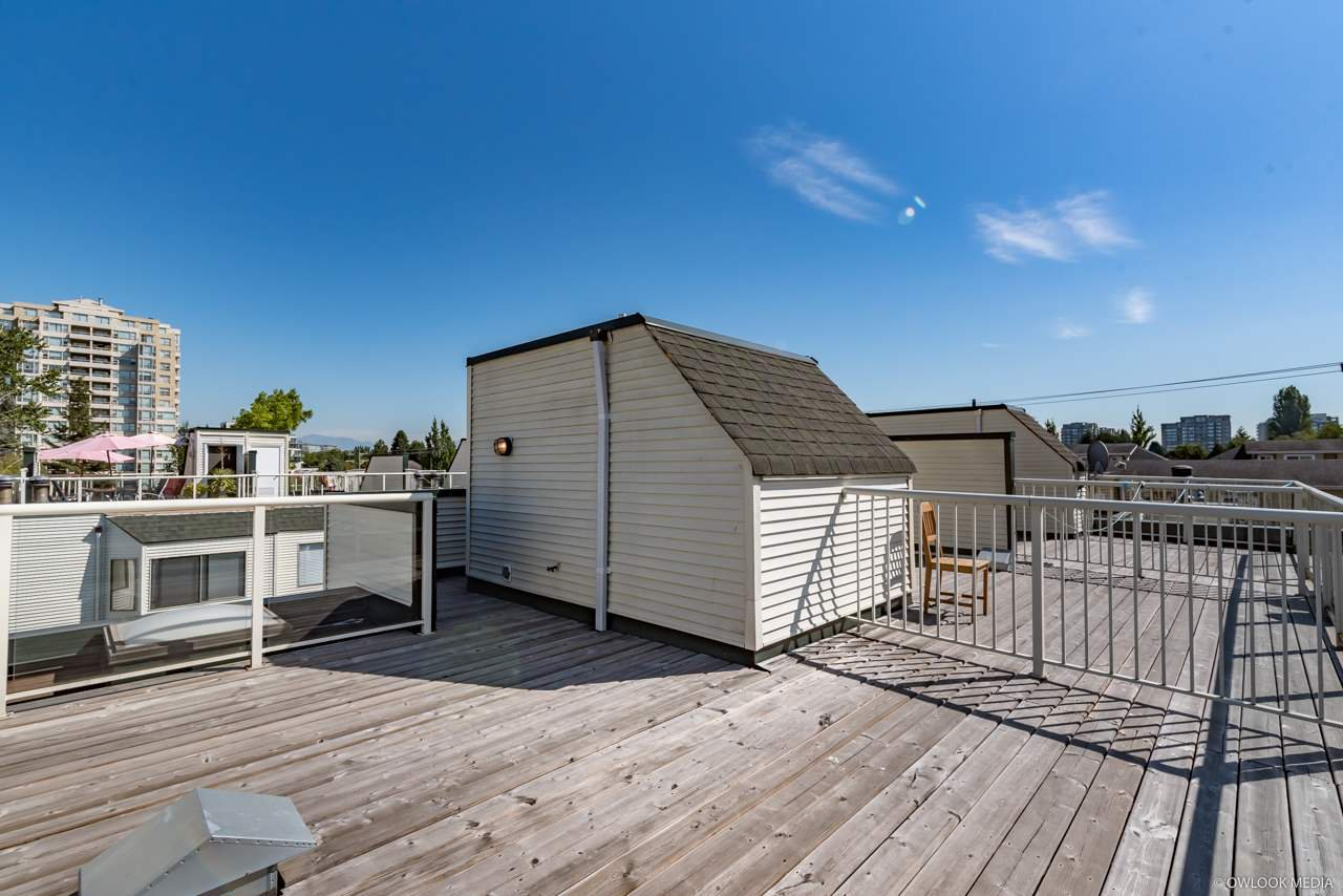 """Main Photo: 11 6431 COONEY Road in Richmond: Brighouse Townhouse for sale in """"COONEY COURT"""" : MLS®# R2296241"""