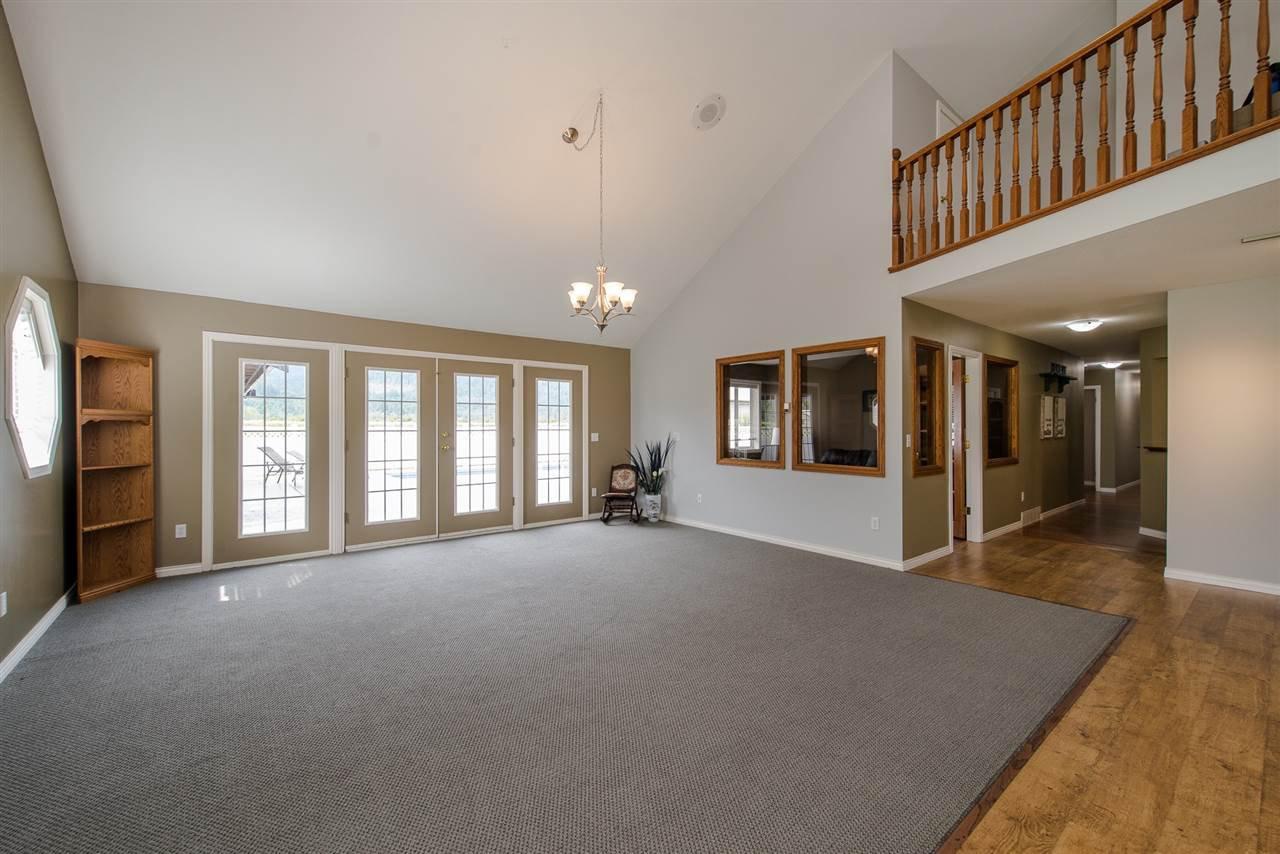 Photo 5: Photos: 47715 BALLAM Road in Chilliwack: Fairfield Island House for sale : MLS®# R2327778