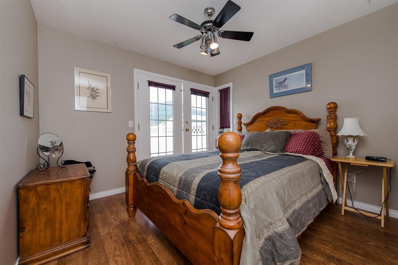 Photo 10: Photos: 47715 BALLAM Road in Chilliwack: Fairfield Island House for sale : MLS®# R2327778