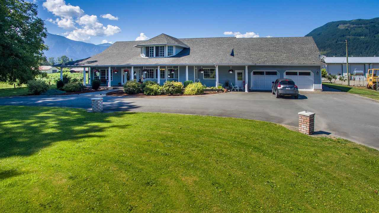 Photo 2: Photos: 47715 BALLAM Road in Chilliwack: Fairfield Island House for sale : MLS®# R2327778