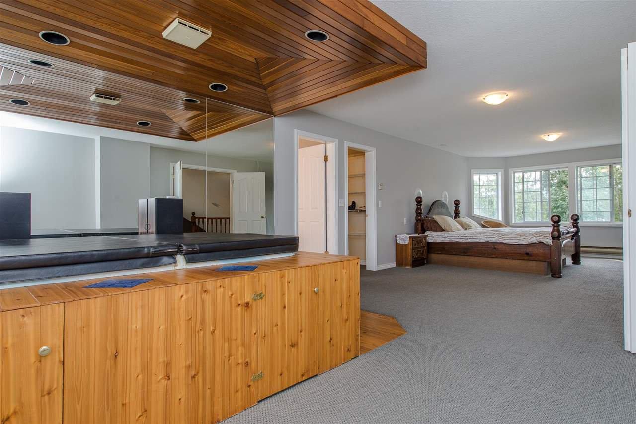Photo 13: Photos: 47715 BALLAM Road in Chilliwack: Fairfield Island House for sale : MLS®# R2327778