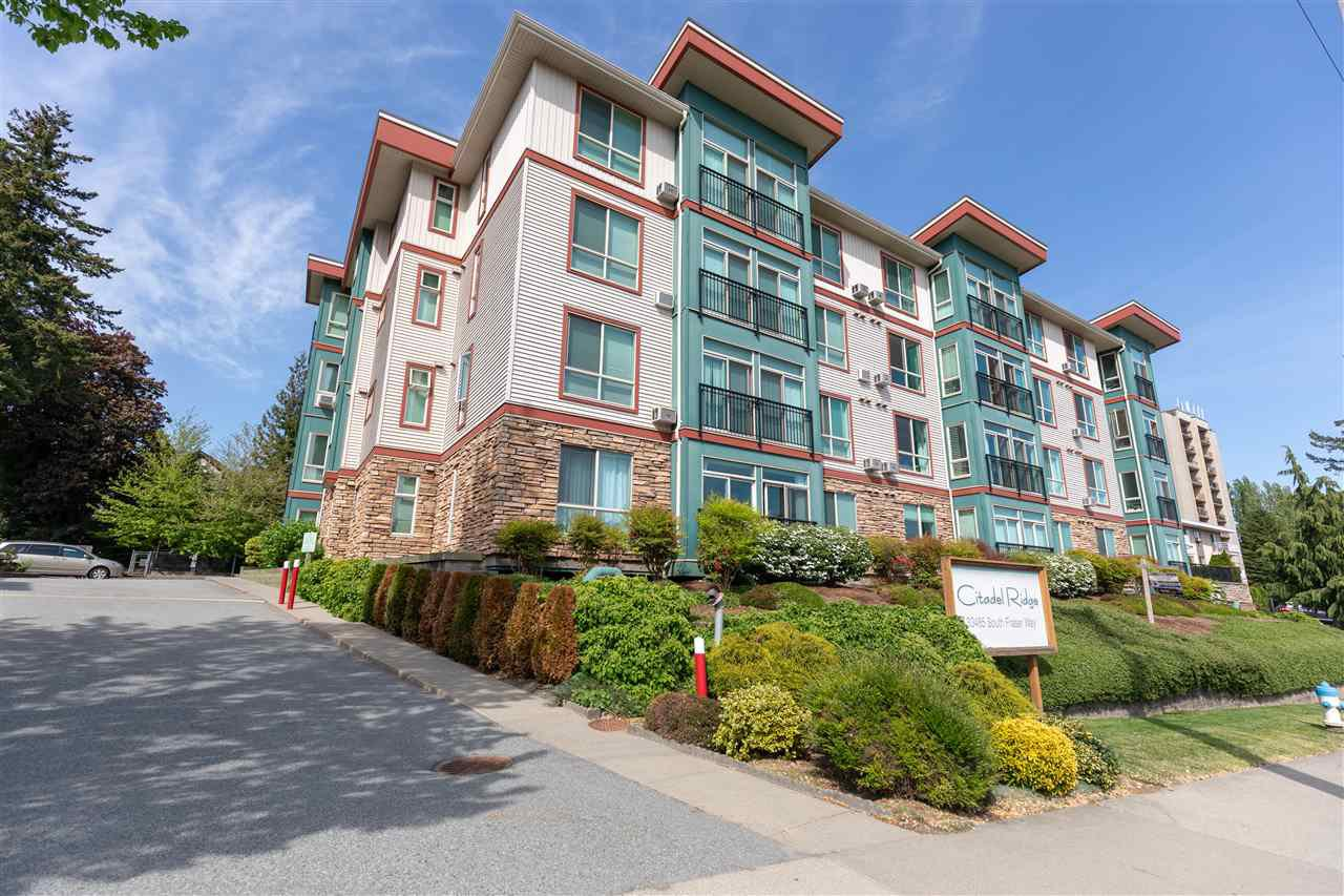 """Photo 2: Photos: 206 33485 SOUTH FRASER Way in Abbotsford: Central Abbotsford Condo for sale in """"Citadel Ridge"""" : MLS®# R2368112"""