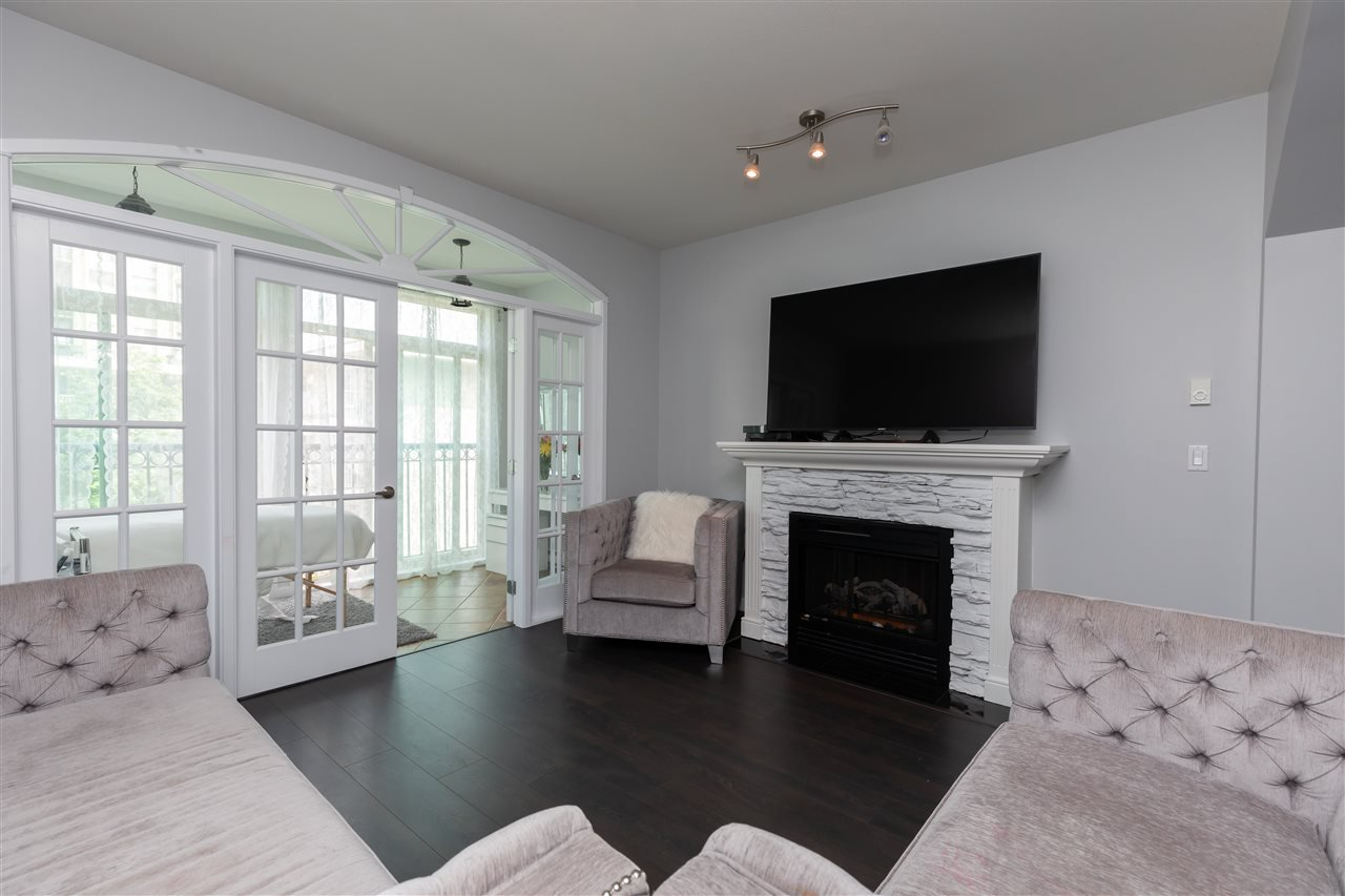 """Photo 9: Photos: 206 33485 SOUTH FRASER Way in Abbotsford: Central Abbotsford Condo for sale in """"Citadel Ridge"""" : MLS®# R2368112"""