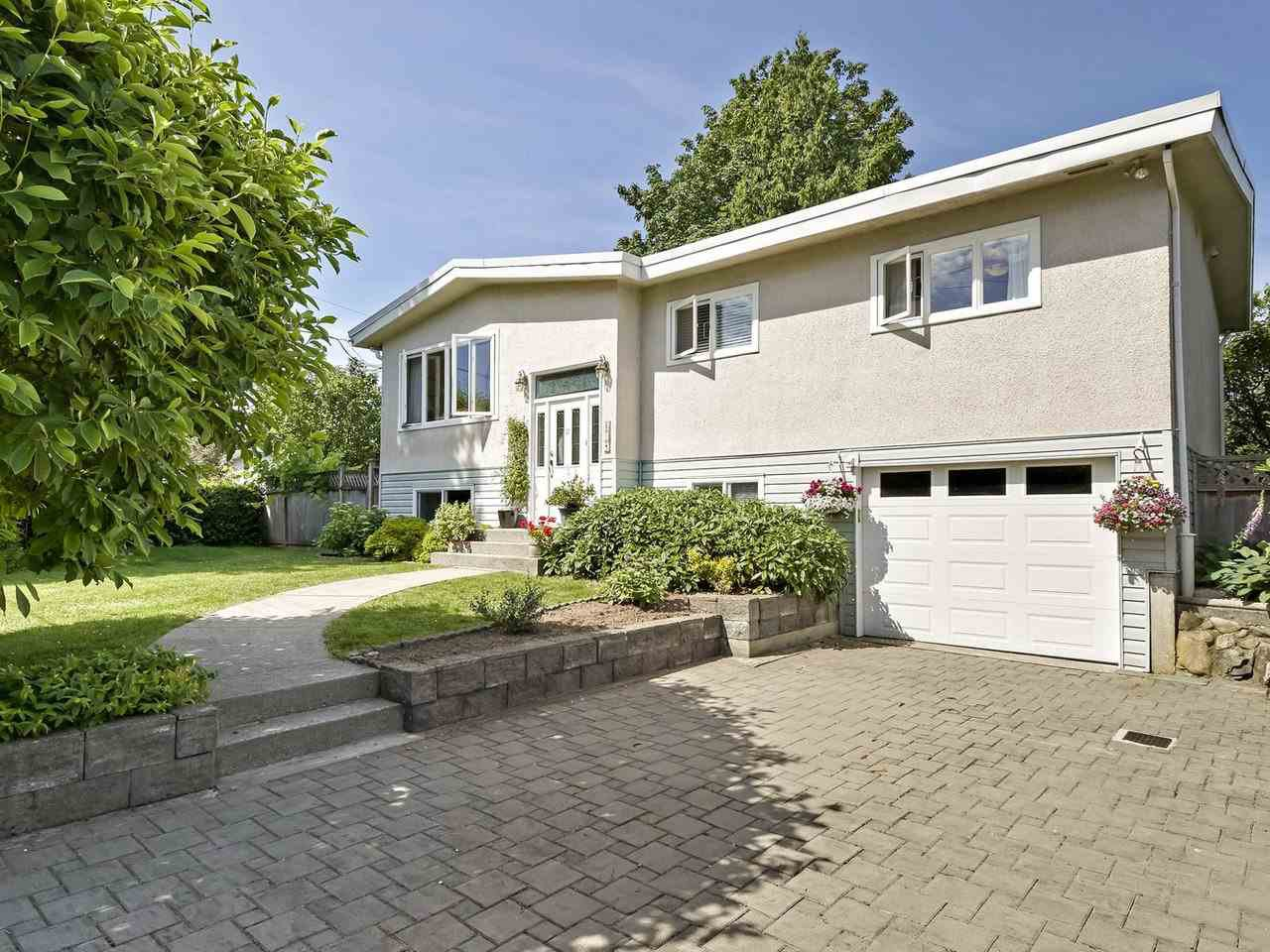 Photo 1: Photos: 814 LEVIS Street in Coquitlam: Harbour Place House for sale : MLS®# R2381563