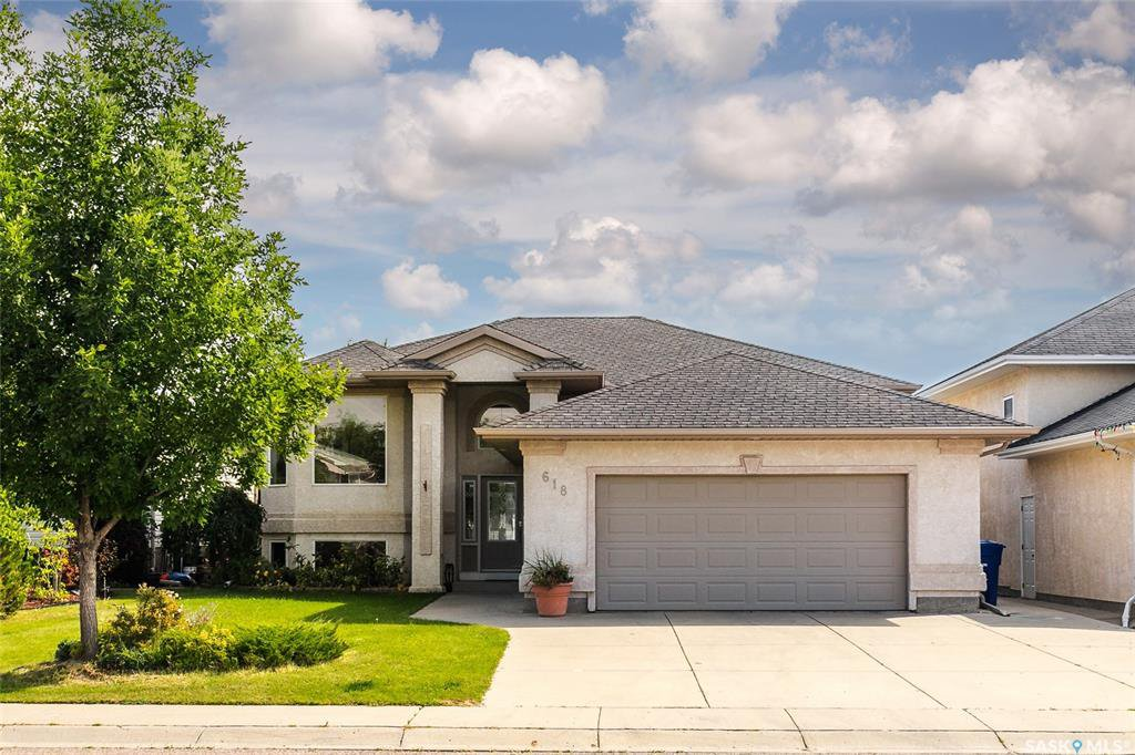 Main Photo: 618 Carr Crescent in Saskatoon: Silverspring Residential for sale : MLS®# SK790661