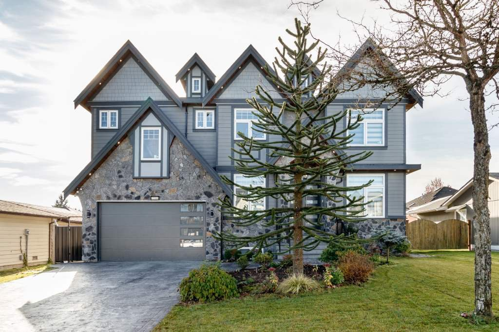 Main Photo: 13498 87B Avenue in Surrey: Queen Mary Park Surrey House for sale : MLS®# R2417699