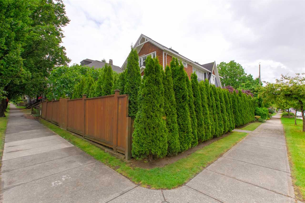 Photo 30: Photos: 2008 E 1ST Avenue in Vancouver: Grandview Woodland 1/2 Duplex for sale (Vancouver East)  : MLS®# R2460644