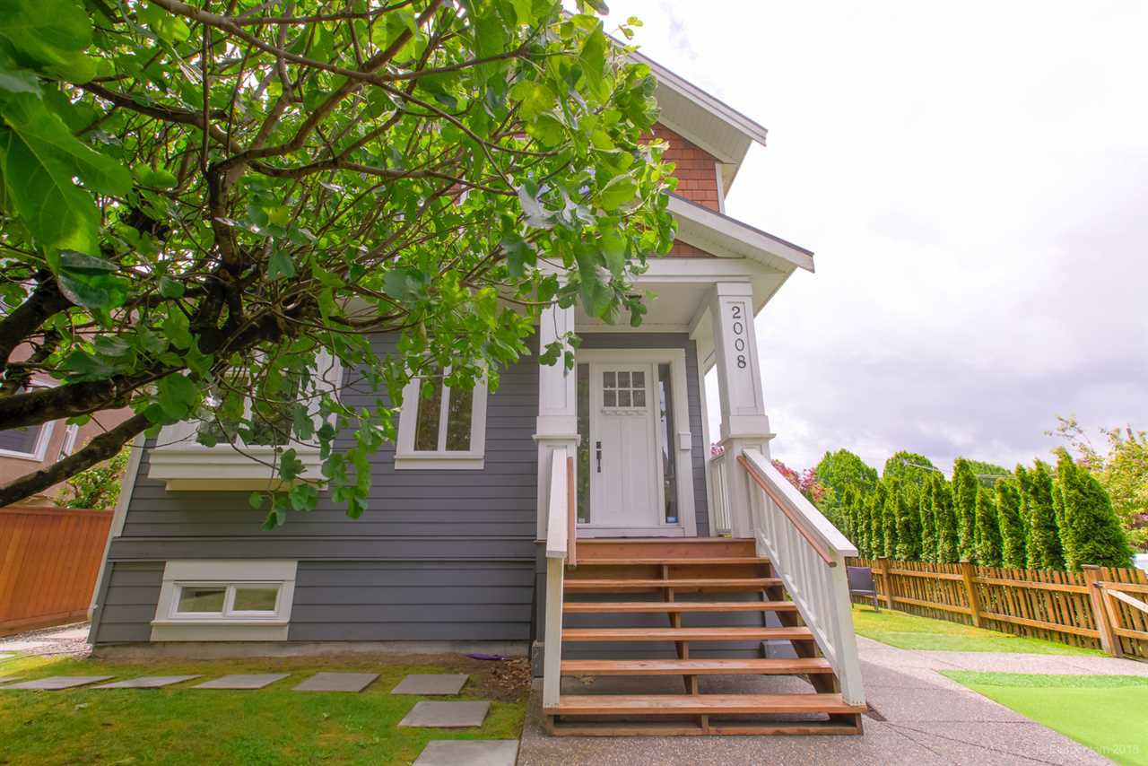 Photo 2: Photos: 2008 E 1ST Avenue in Vancouver: Grandview Woodland 1/2 Duplex for sale (Vancouver East)  : MLS®# R2460644