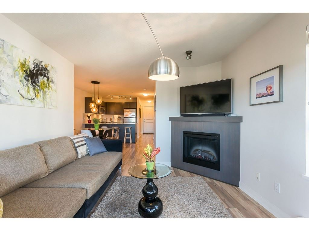 Photo 18: Photos: 404 8915 202 Street in Langley: Walnut Grove Condo for sale : MLS®# R2501980