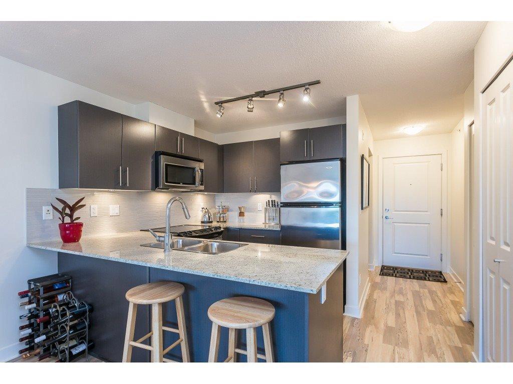Photo 7: Photos: 404 8915 202 Street in Langley: Walnut Grove Condo for sale : MLS®# R2501980
