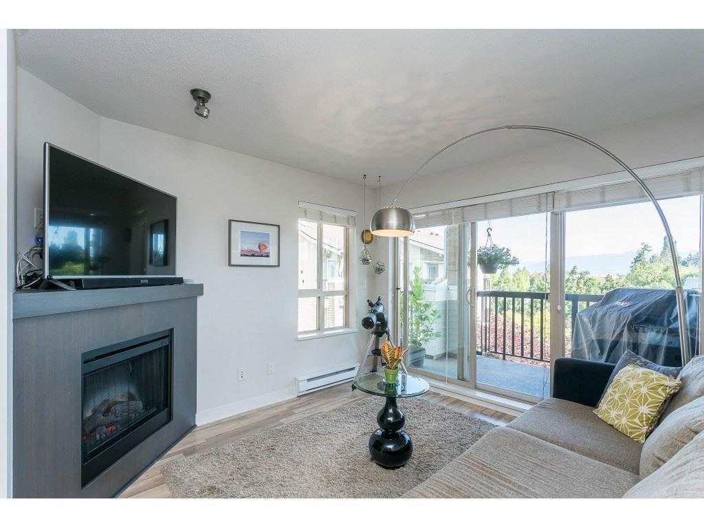 Photo 15: Photos: 404 8915 202 Street in Langley: Walnut Grove Condo for sale : MLS®# R2501980