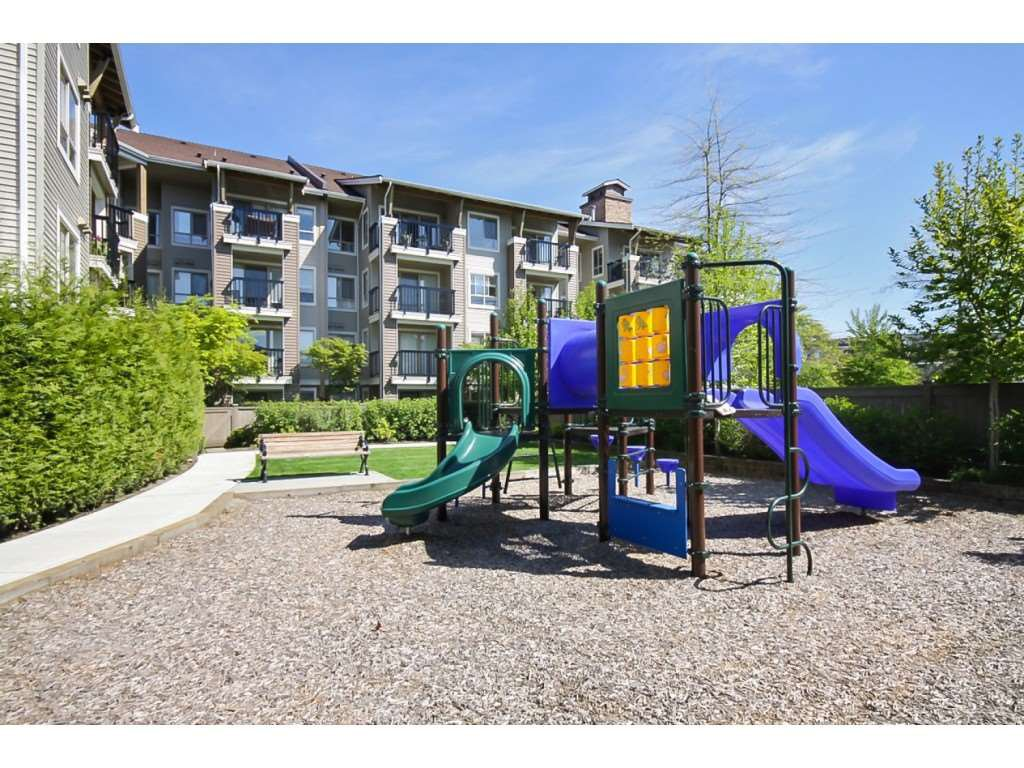 Photo 34: Photos: 404 8915 202 Street in Langley: Walnut Grove Condo for sale : MLS®# R2501980