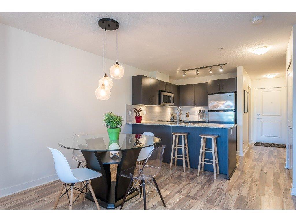 Photo 14: Photos: 404 8915 202 Street in Langley: Walnut Grove Condo for sale : MLS®# R2501980