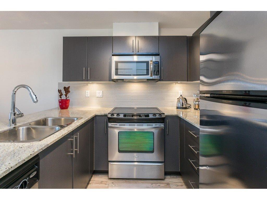 Photo 6: Photos: 404 8915 202 Street in Langley: Walnut Grove Condo for sale : MLS®# R2501980