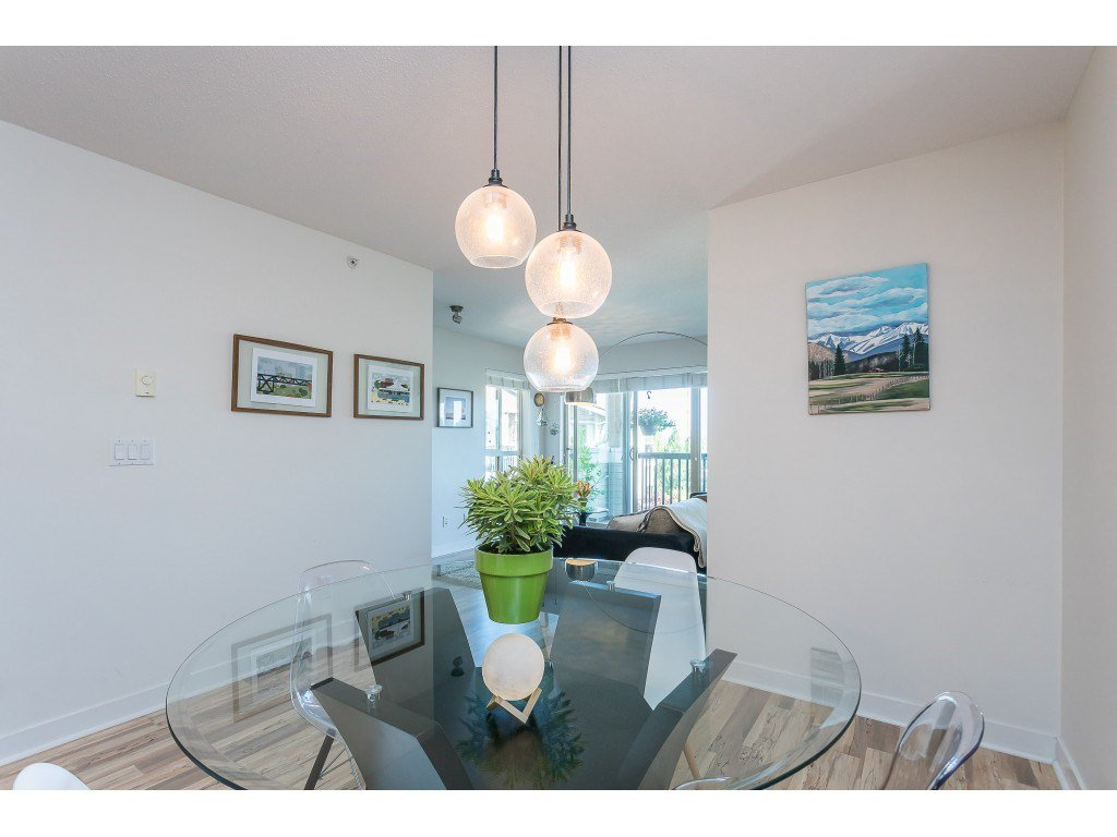 Photo 12: Photos: 404 8915 202 Street in Langley: Walnut Grove Condo for sale : MLS®# R2501980