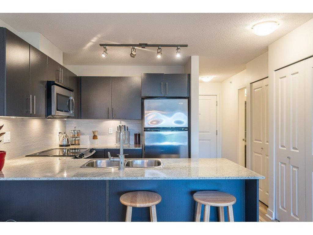 Photo 8: Photos: 404 8915 202 Street in Langley: Walnut Grove Condo for sale : MLS®# R2501980