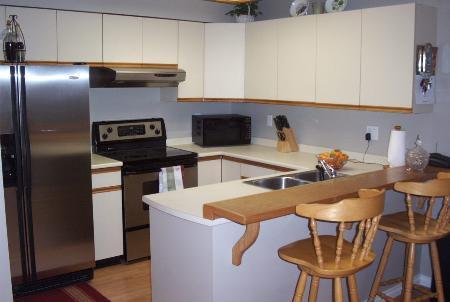 Photo 2: Photos: #401 - 1215 Lansdowne Drive in COQUITLAM: Condo for sale (Upper Eagle Ridge)  : MLS®# V565452