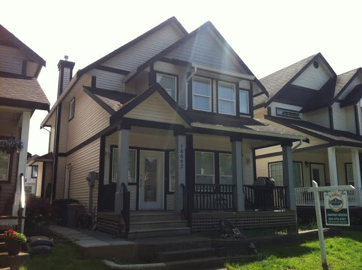 """Main Photo: 18462 66TH Avenue in Surrey: Cloverdale BC House for sale in """"Heartland"""" (Cloverdale)  : MLS®# F1411544"""