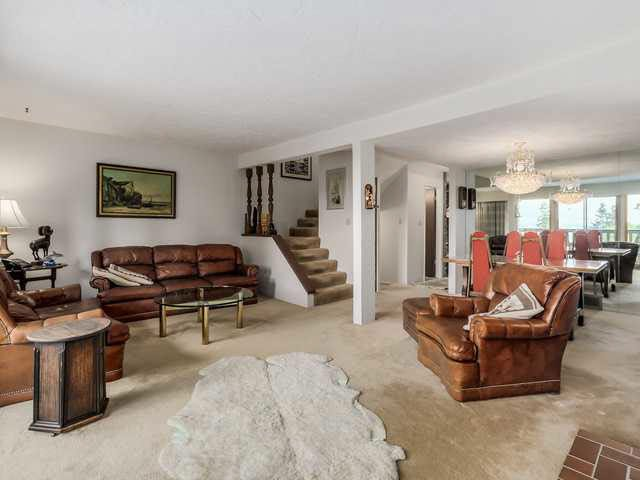 """Photo 3: Photos: 1022 LILLOOET Road in North Vancouver: Lynnmour Townhouse for sale in """"LILLOOET PLACE"""" : MLS®# V1123413"""