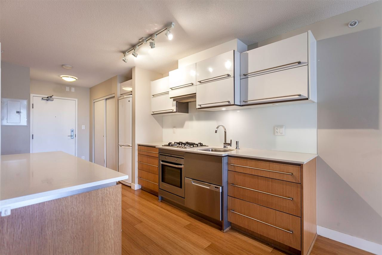 """Main Photo: 411 718 MAIN Street in Vancouver: Mount Pleasant VE Condo for sale in """"GINGER"""" (Vancouver East)  : MLS®# V1143446"""