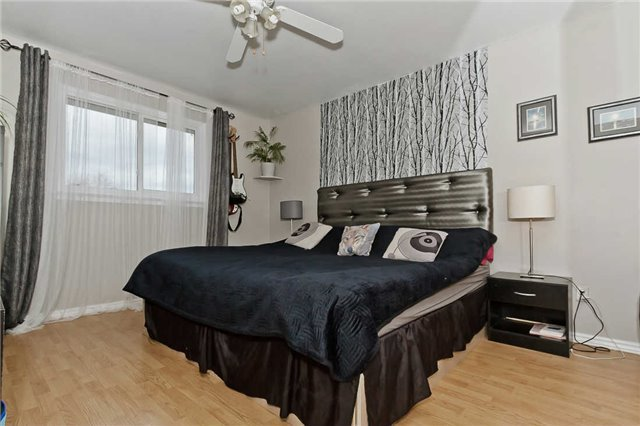 Photo 2: Photos: 1255 Playford Road in Mississauga: Clarkson House (Bungalow-Raised) for sale : MLS®# W3408431