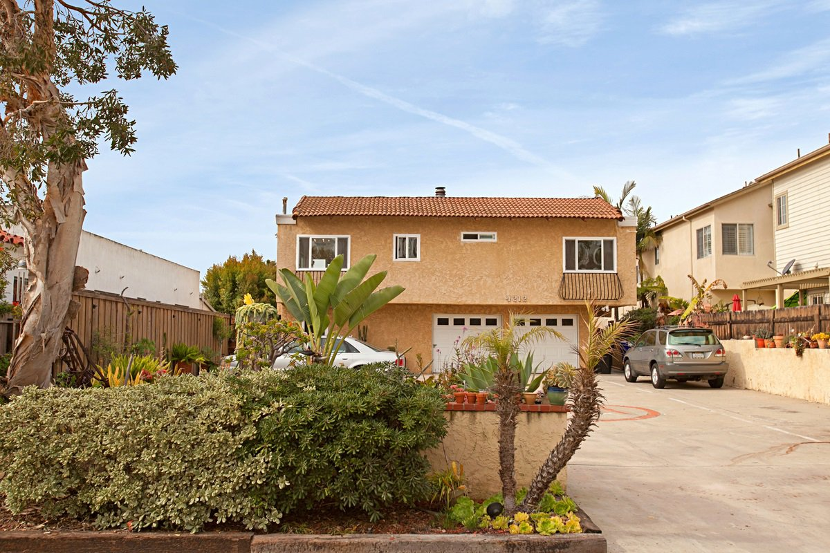 Main Photo: UNIVERSITY HEIGHTS Condo for sale : 2 bedrooms : 4212 Maryland St #1 in San Diego