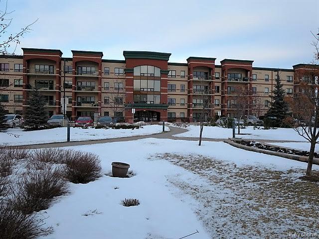 Main Photo: 1265 Leila Avenue in Winnipeg: Garden City Condominium for sale (4F)  : MLS®# 1703827