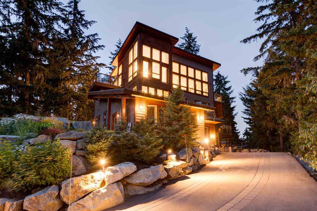 "Main Photo: 9229 AUTUMN Drive in Whistler: Emerald Estates House for sale in ""Emerald Estates"" : MLS®# R2143602"