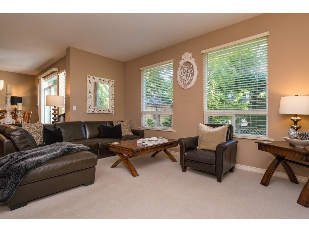 """Photo 4: Photos: 15 7067 189 Street in Surrey: Clayton House for sale in """"Claytonbrook"""" (Cloverdale)  : MLS®# R2183316"""