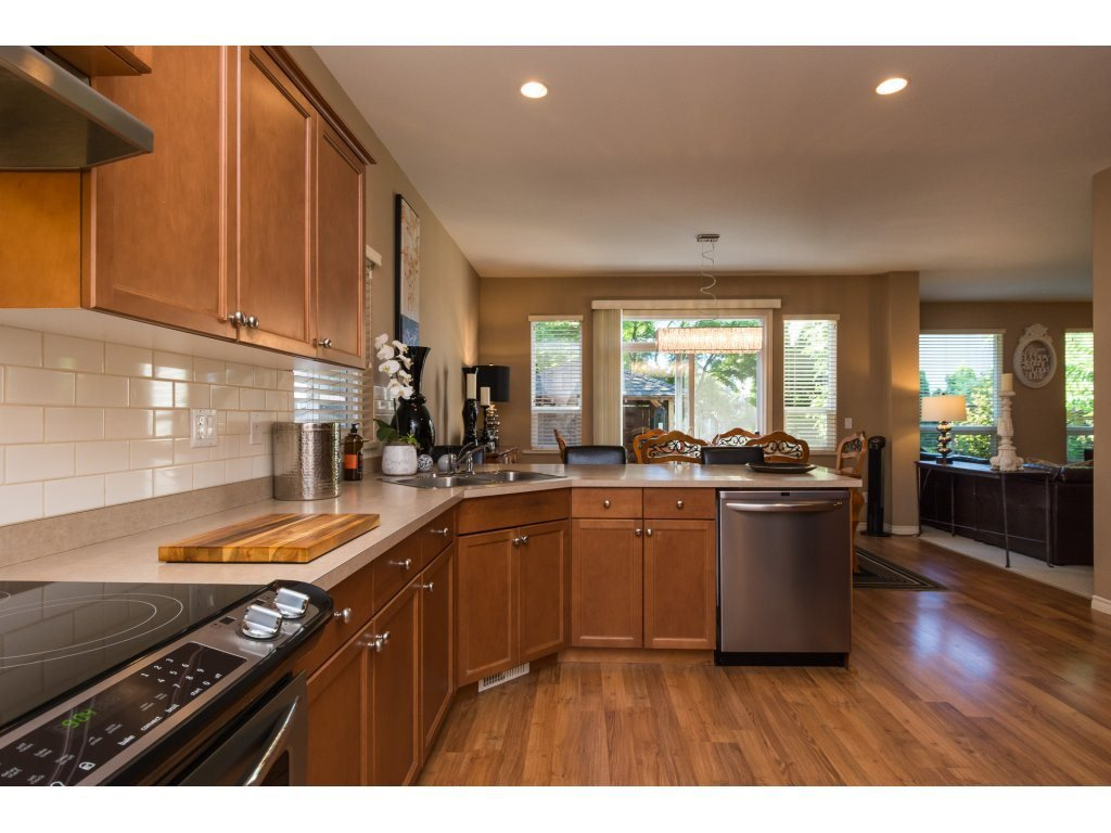 """Photo 8: Photos: 15 7067 189 Street in Surrey: Clayton House for sale in """"Claytonbrook"""" (Cloverdale)  : MLS®# R2183316"""