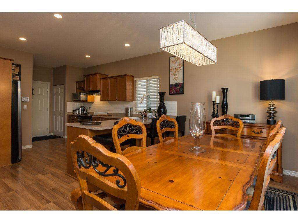 """Photo 9: Photos: 15 7067 189 Street in Surrey: Clayton House for sale in """"Claytonbrook"""" (Cloverdale)  : MLS®# R2183316"""
